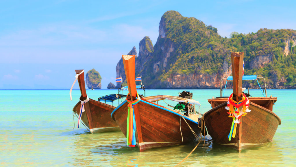 Exploring Phuket's Top Attractions with Phuket Holiday Services