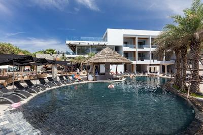 Phuket Holiday Services The Bay And The Beach Club Pool View