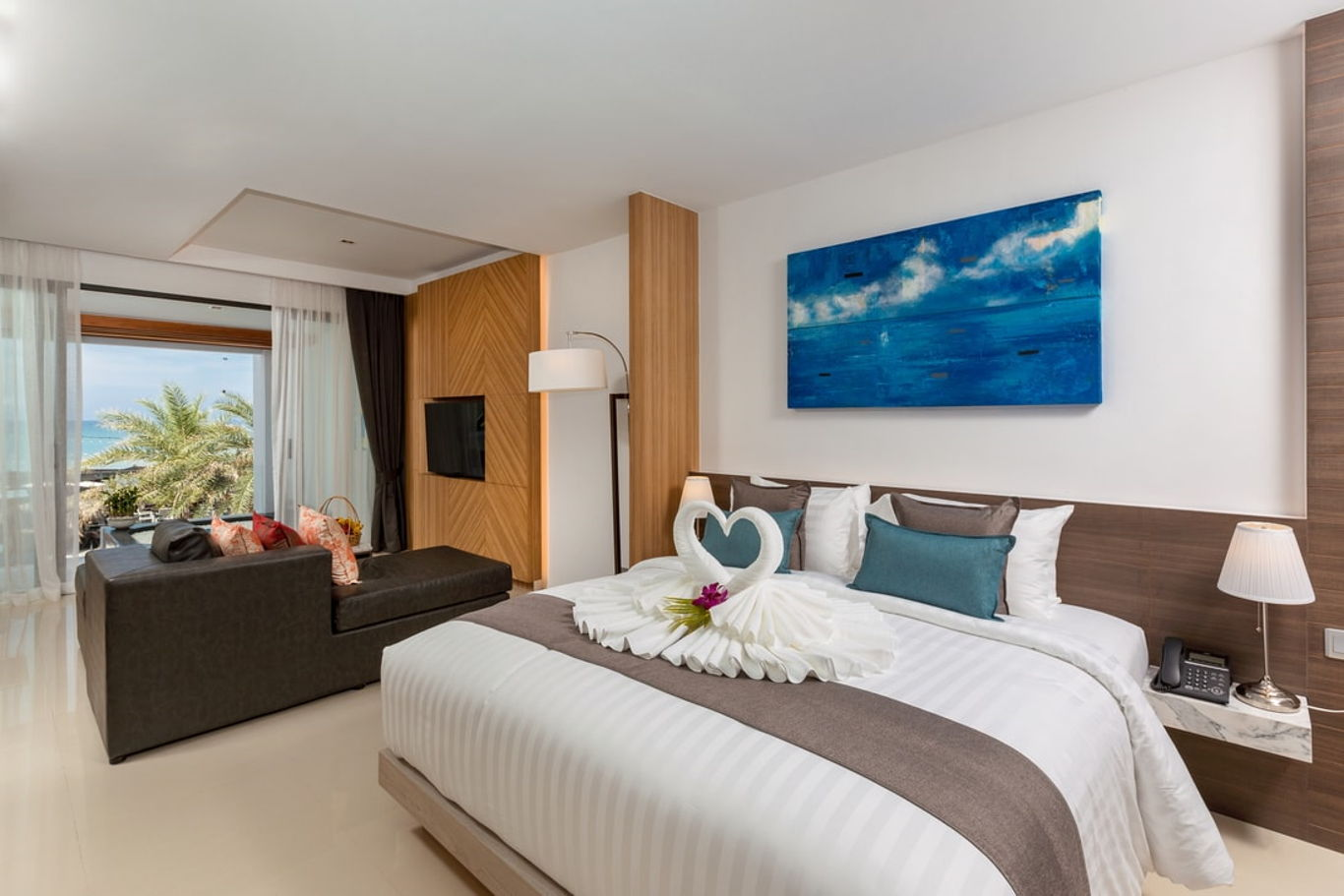 Phuket Holiday Services The Bay And The Beach Club Room A 01