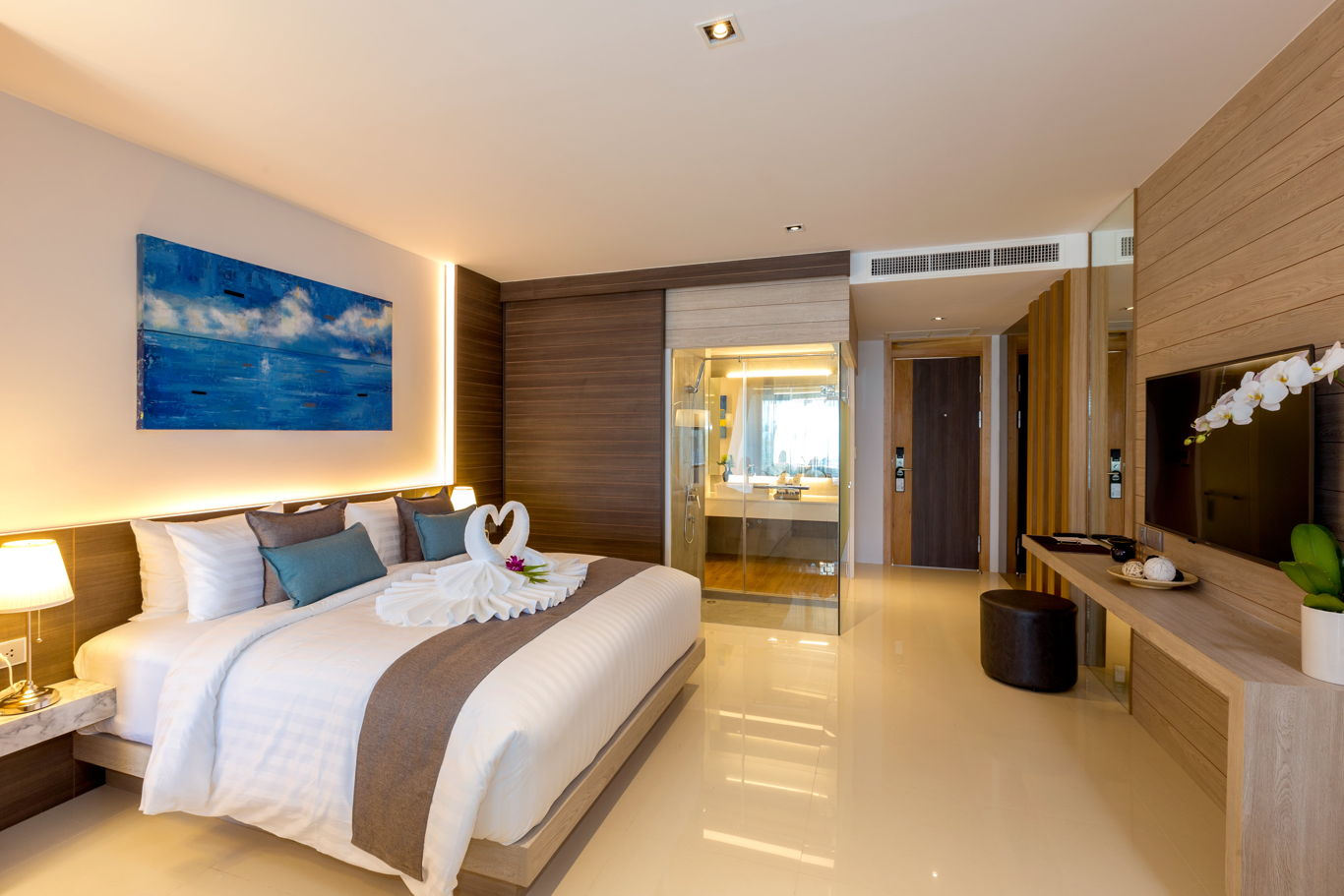 Phuket Holiday Services The Bay And The Beach Club Room A 03